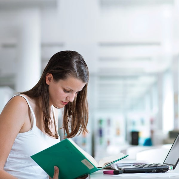 Enroll yourselves in some Spanish online courses